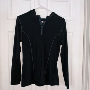 M Old Navy athletic fit quarter zip pullover